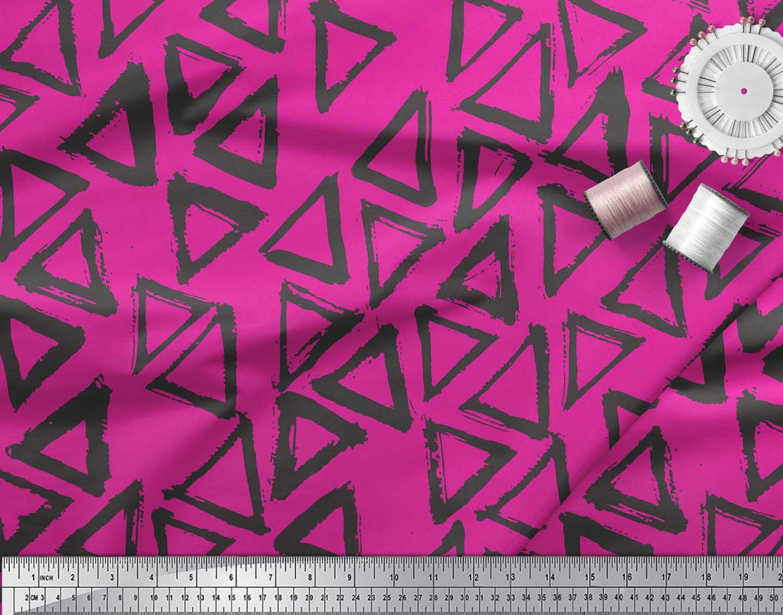 Soimoi-Pink-Cotton-Poplin-Fabric-Triangle-Geometric-Printed-Fabric-bMD thumbnail 4
